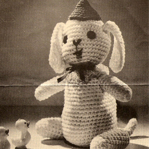 Crocheted Sitting Dog Vintage Pattern