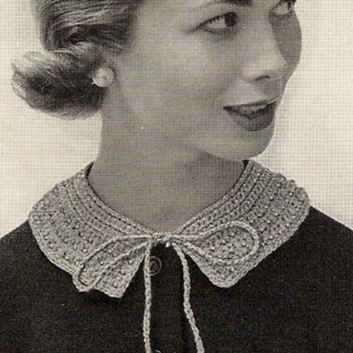 Crochet Peter Pan Collar Patter with Ribbon Ties