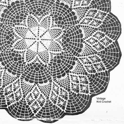 Star Doily Pattern with scalloped border no 852.
