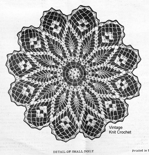 Large Scalloped Pineapple Doily Detail, Laura Wheeler 819