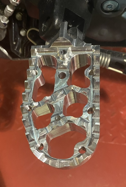 TRACTION FOOTPEGS FOR KTM 390 ADV
