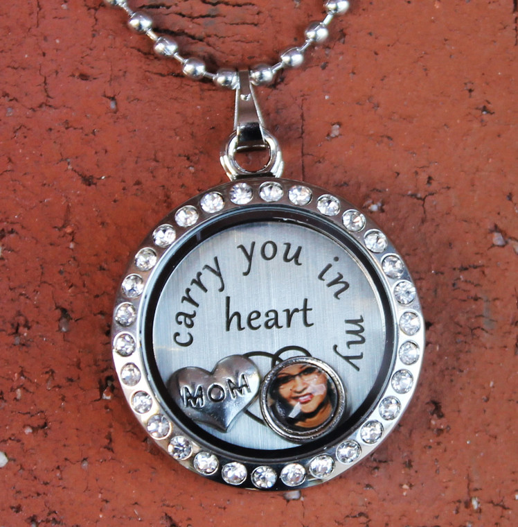 """""""Mom"""" - """"I carry you in my heart"""" Floating Charm Locket"""