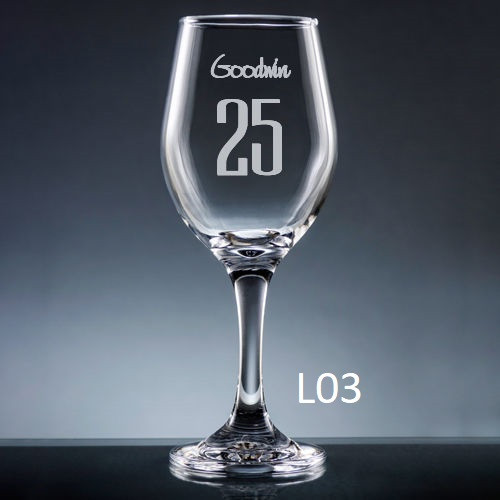 Numero Wine Glass - 10 fonts