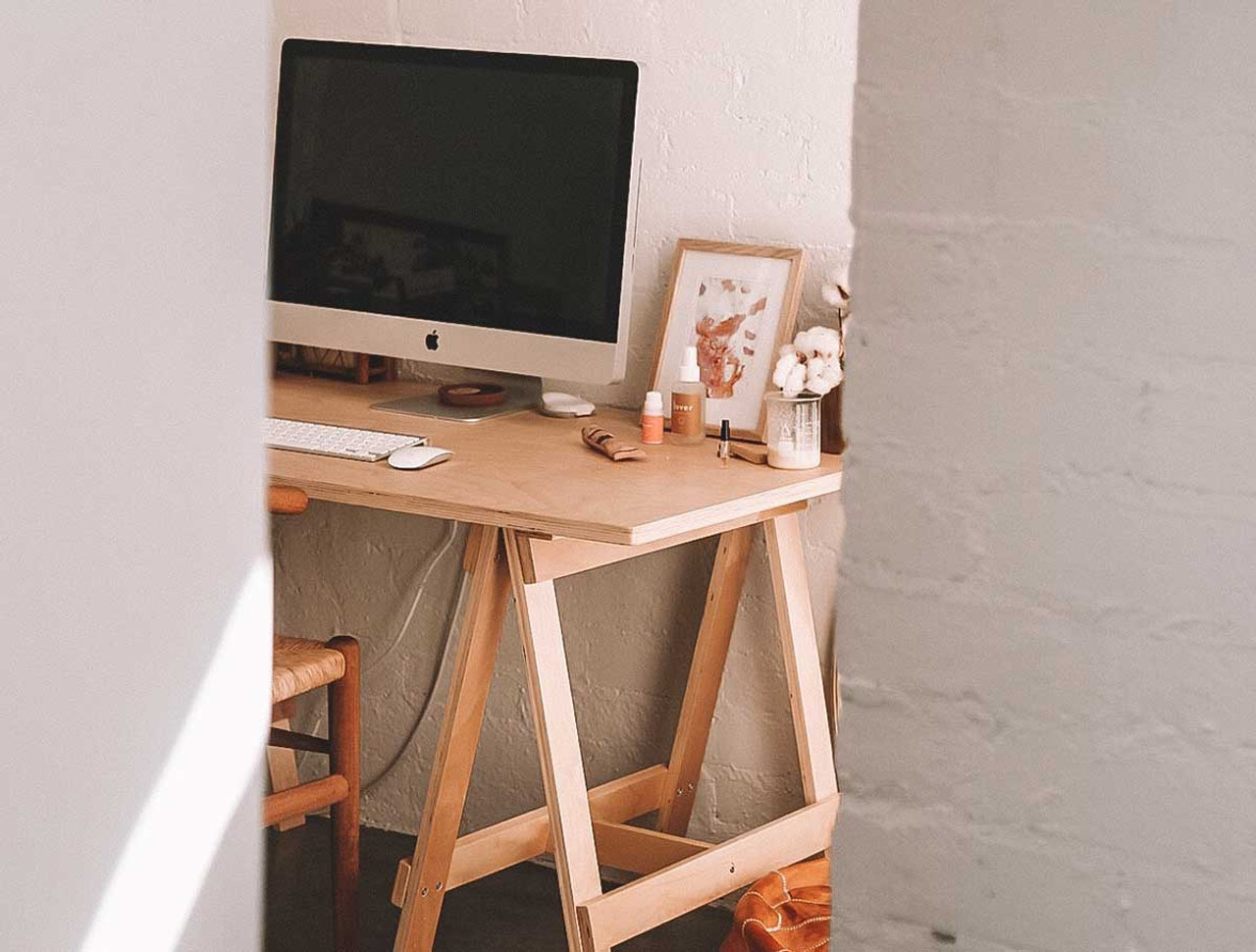 How to Style Your Home Office On a Budget
