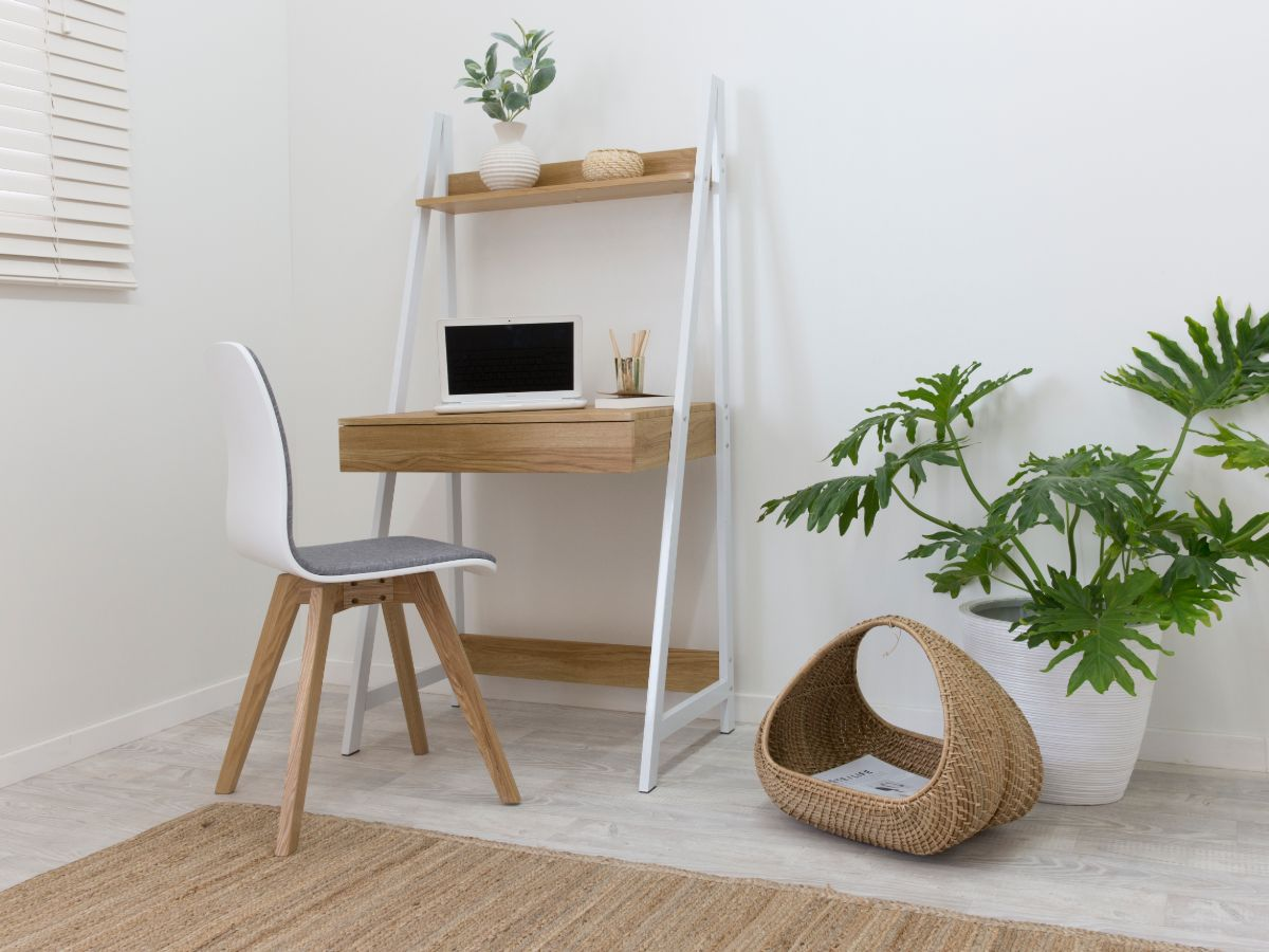 Urban Desk - White