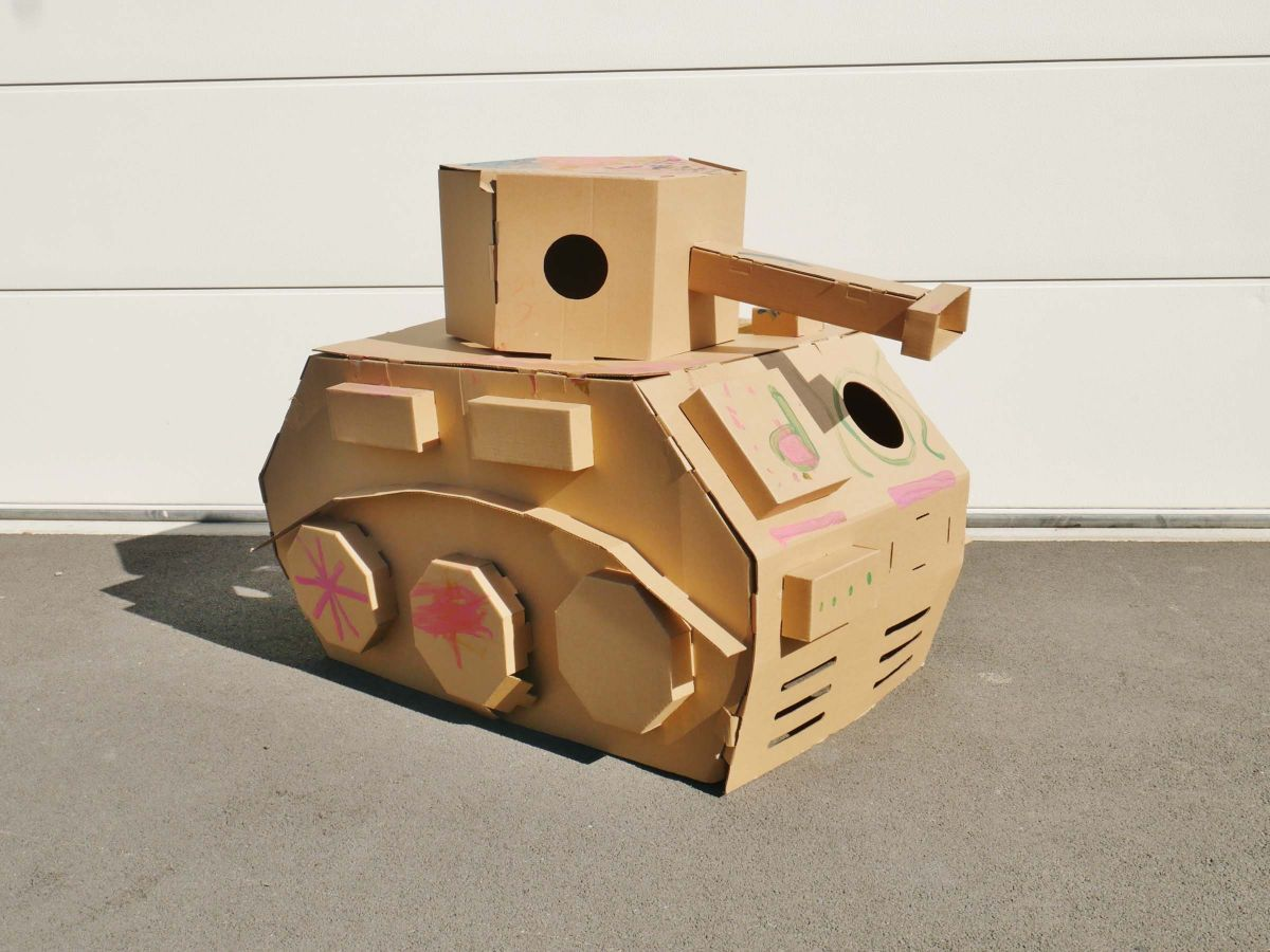 Cardboard Play and Colour - Tank