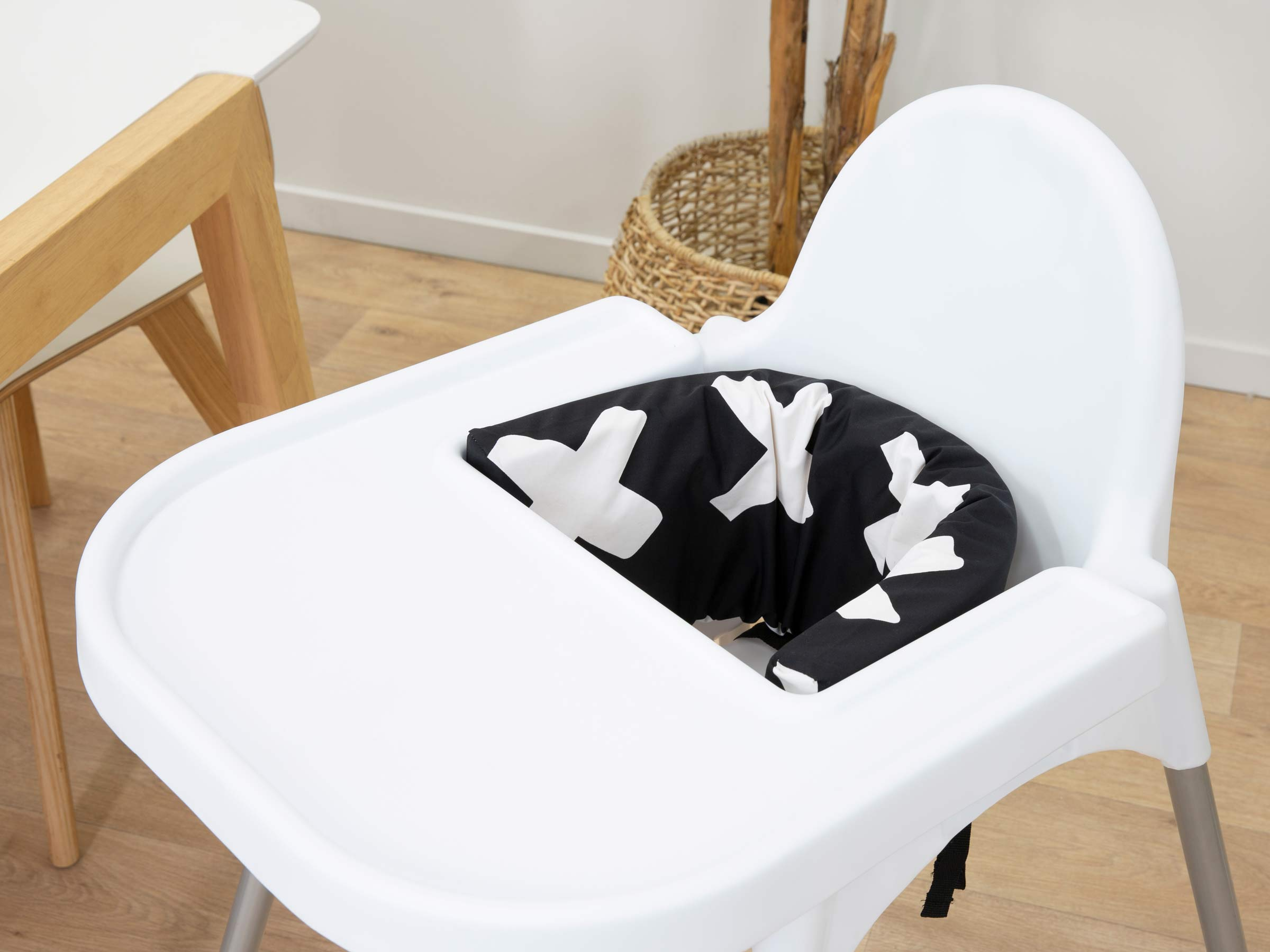 Designer Highchair Insert Cover - Monochrome Cross