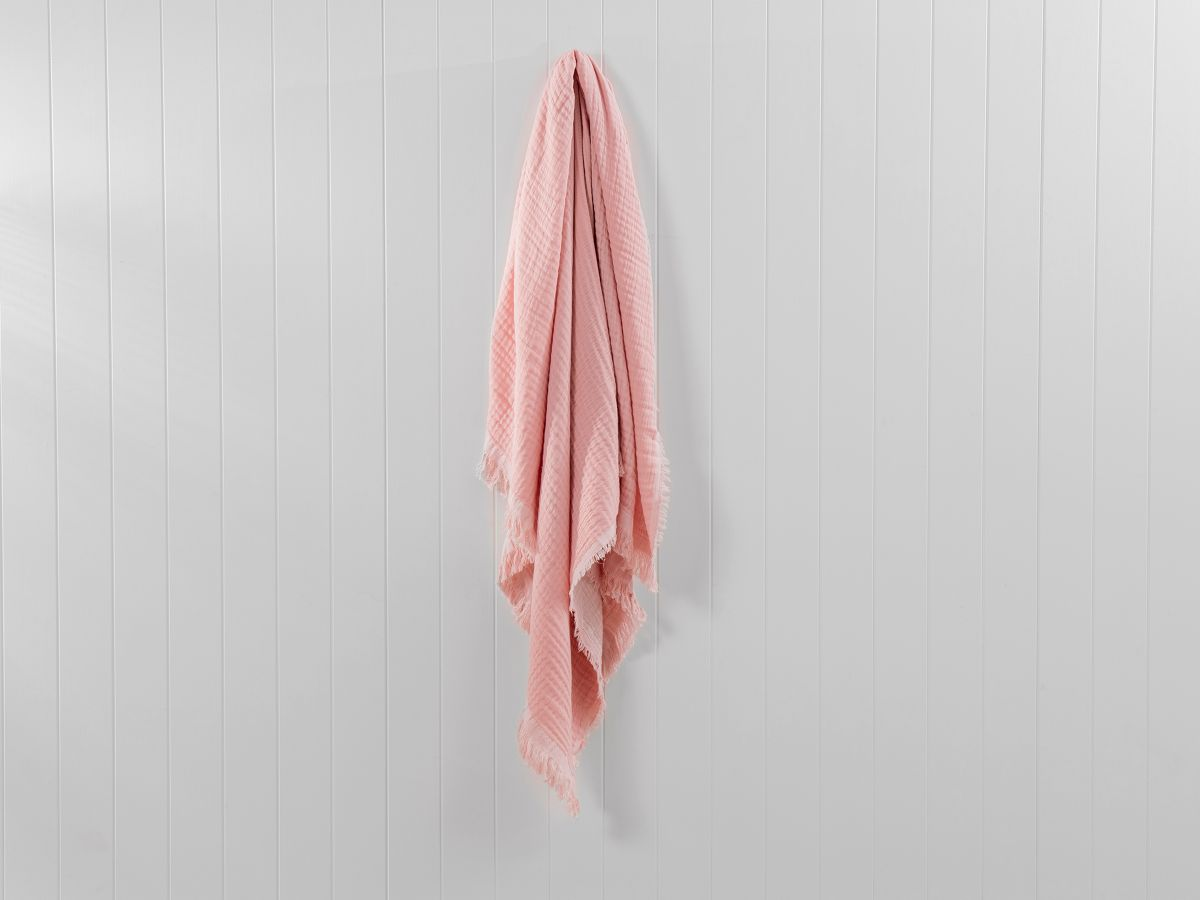 Ava Throw - Soft Pink