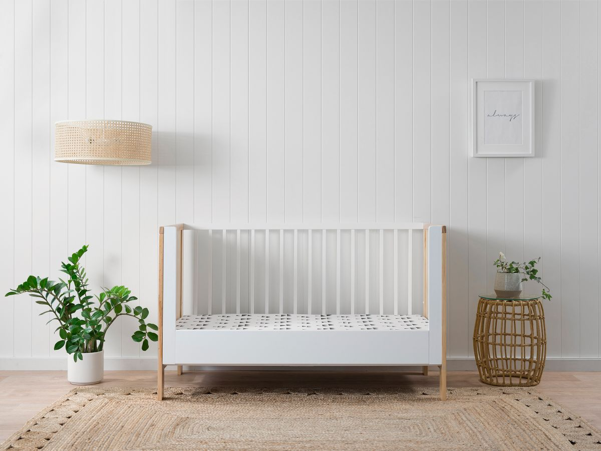 Mocka Cot Toddler Bed Conversion - White
