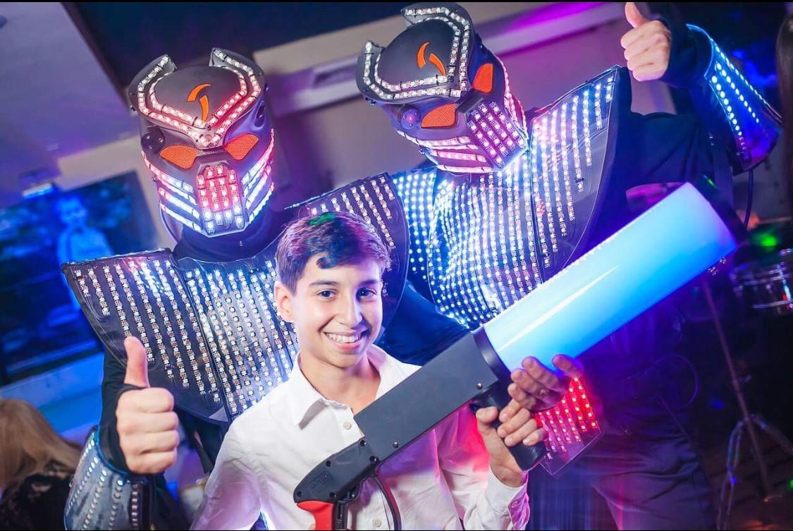 led-robot-ny.jpg