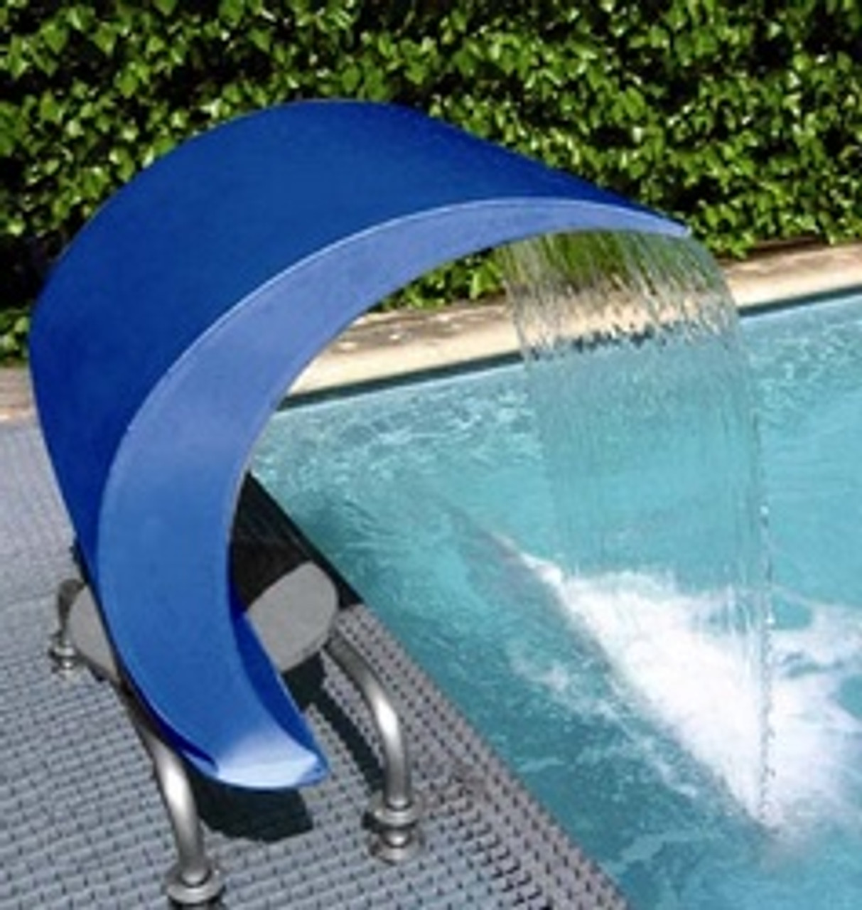 The Swan Curtain 1000 Swimming Pool Water Fountain in painted Blue Ral (34391)