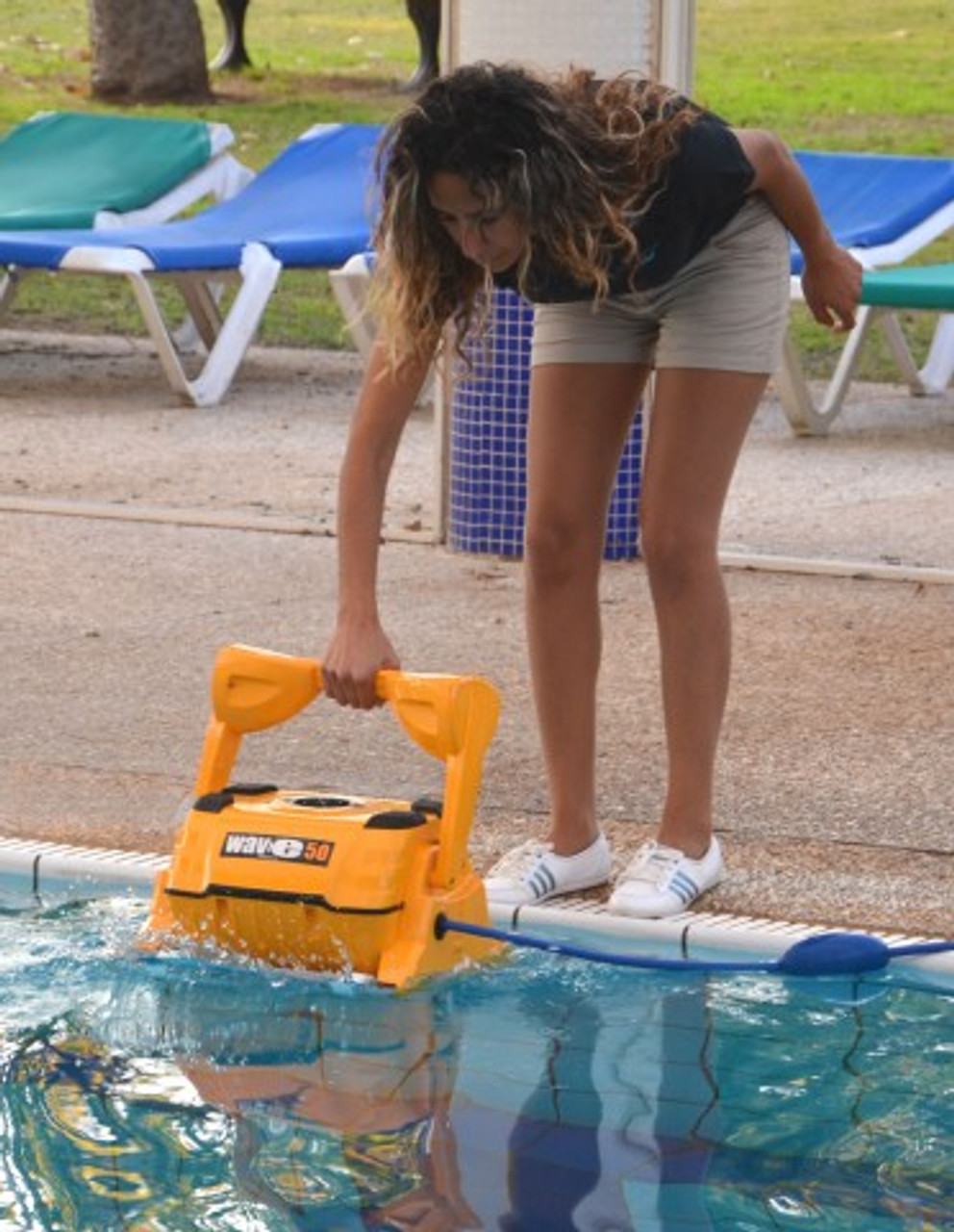 Dolphin Wave 50 robotic automatic commercial swimming pool cleaner