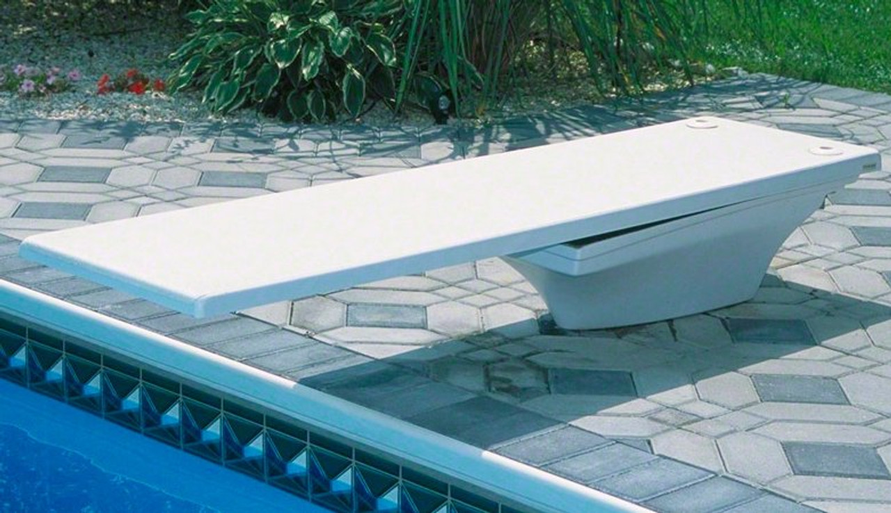 Frontier III swimming pool diving board with white Flyte Deck II