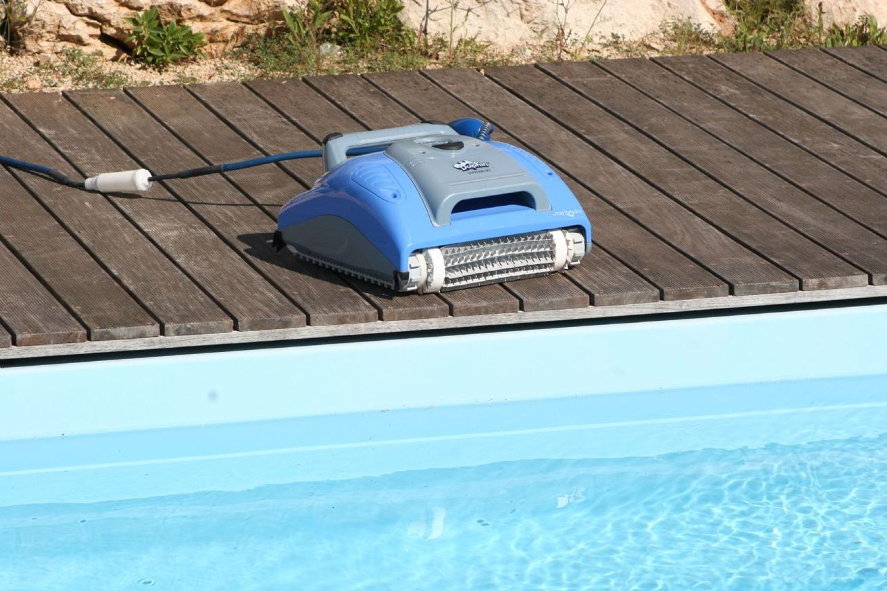 Dolphin Supreme M200 Electronic Automatic Swimming Pool Cleaner