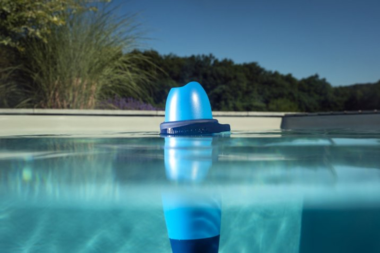 Blue Connect Plus the Smart Remote Pool Condition Analyser