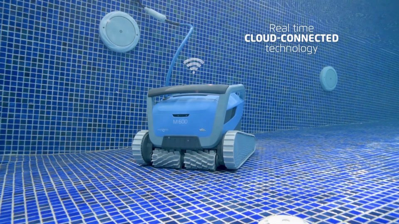 Dolphin M600 Swimming Pool Cleaner real time cloud control