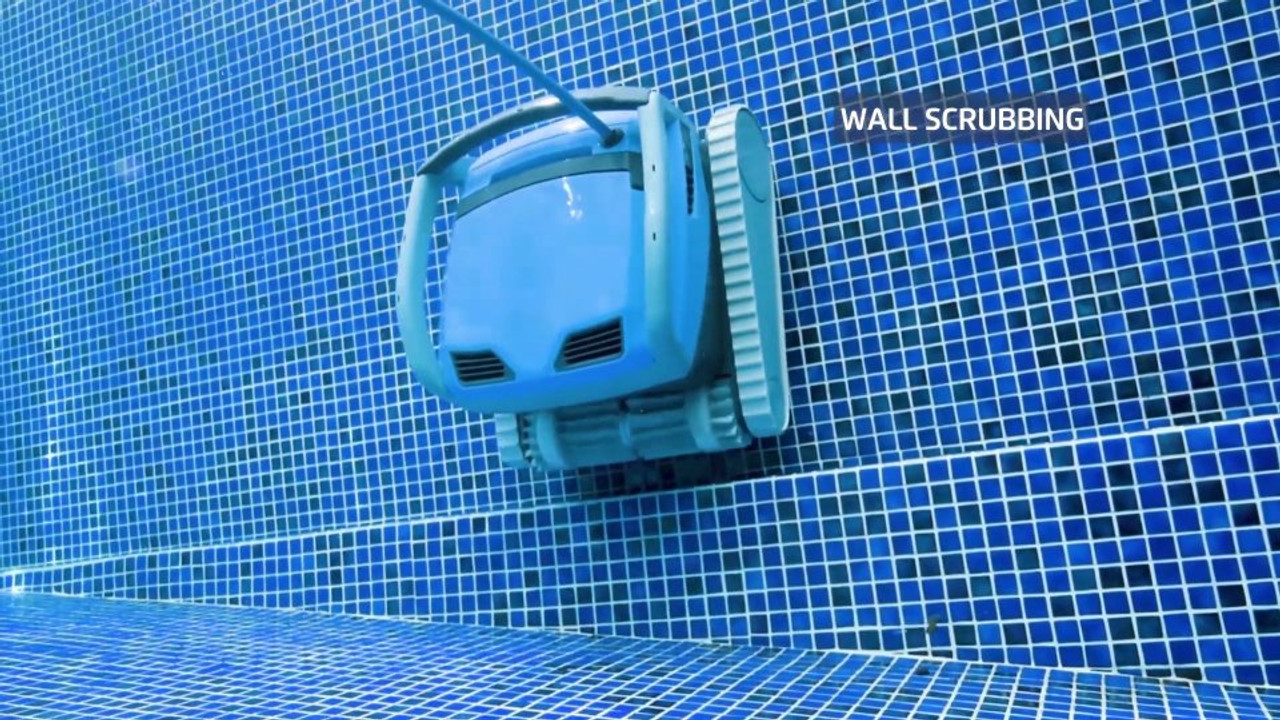 Dolphin M600 wall scrubbing