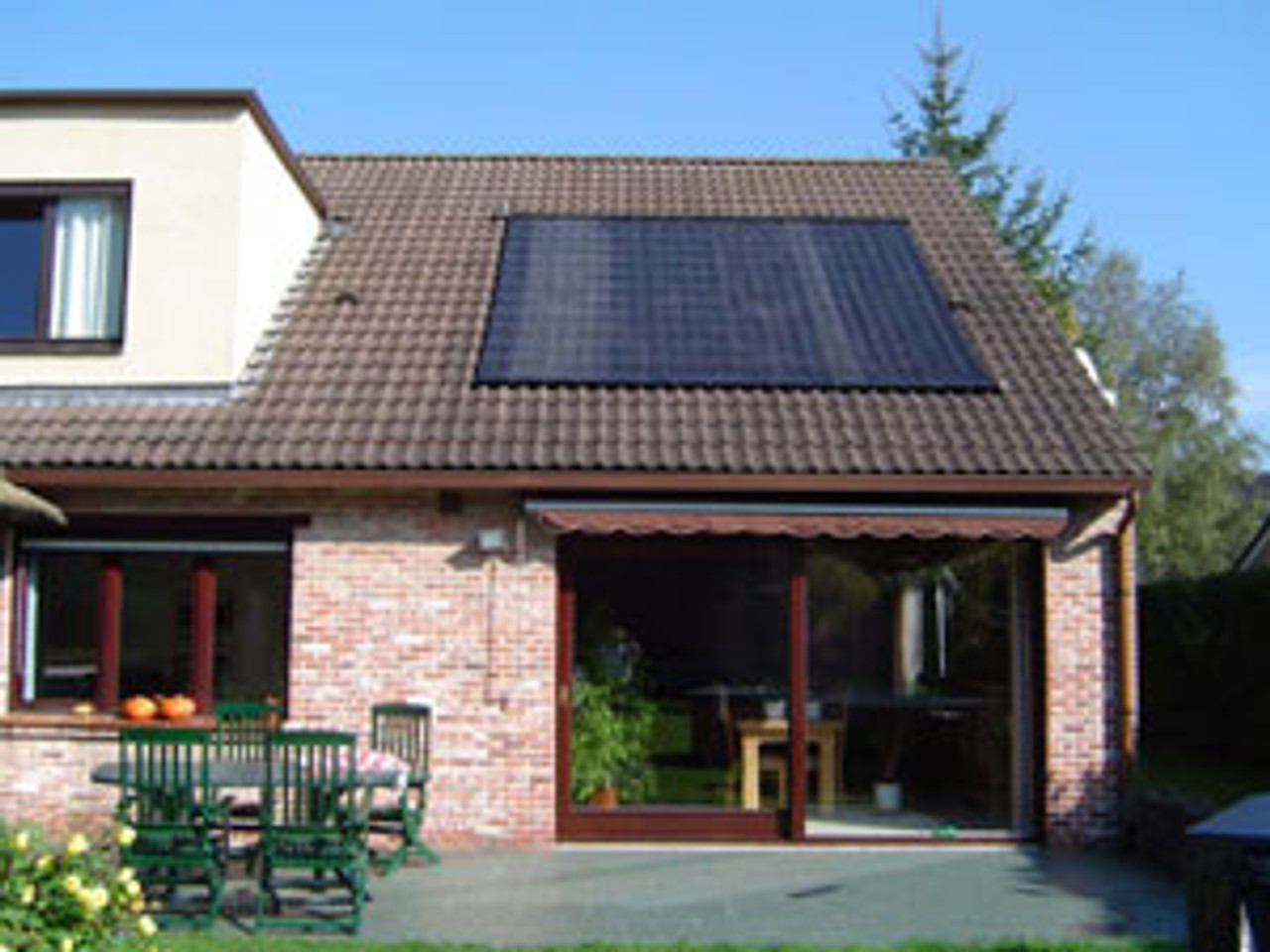 Poolsolar Swimming Pool Matting can be fitted onto a roof (Where appropriate)