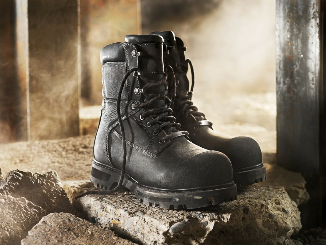 How Safety Work Shoes Protect Your Feet?