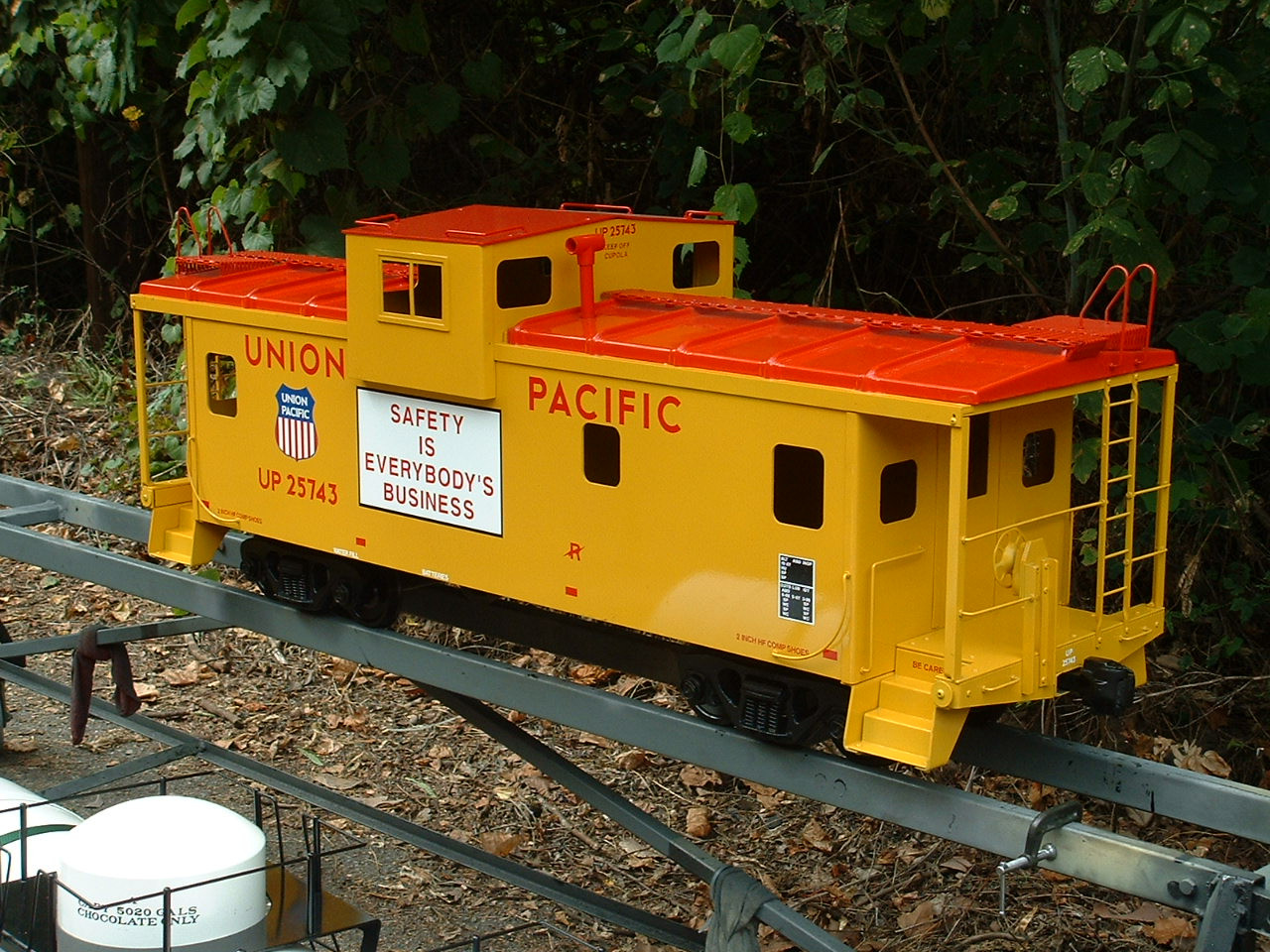 Modern Wide Vision Caboose Body (Assembled)