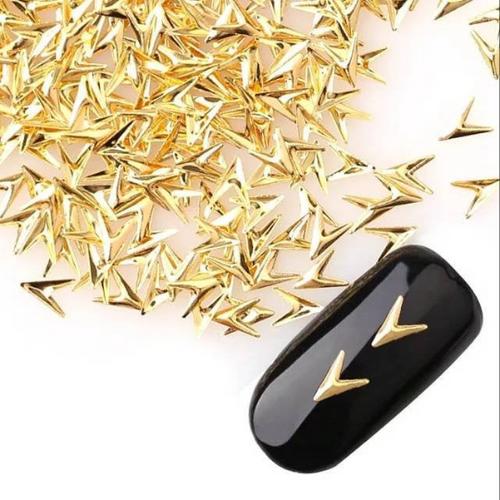 Gold Arrow Studs (25)