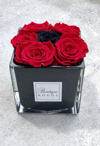 Black Premium Glass  with Preserved Roses