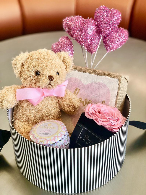 Gift Box with XXL Pink Preserved Rose