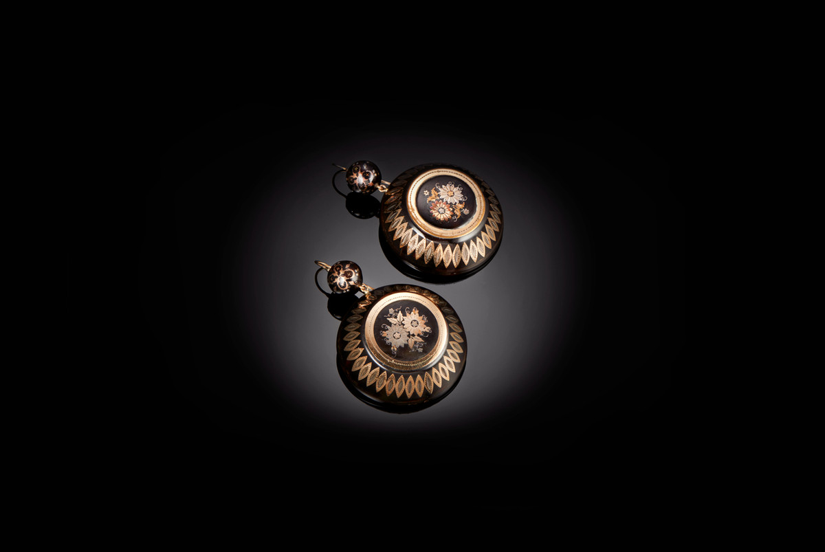 Victorian Piqué Earrings