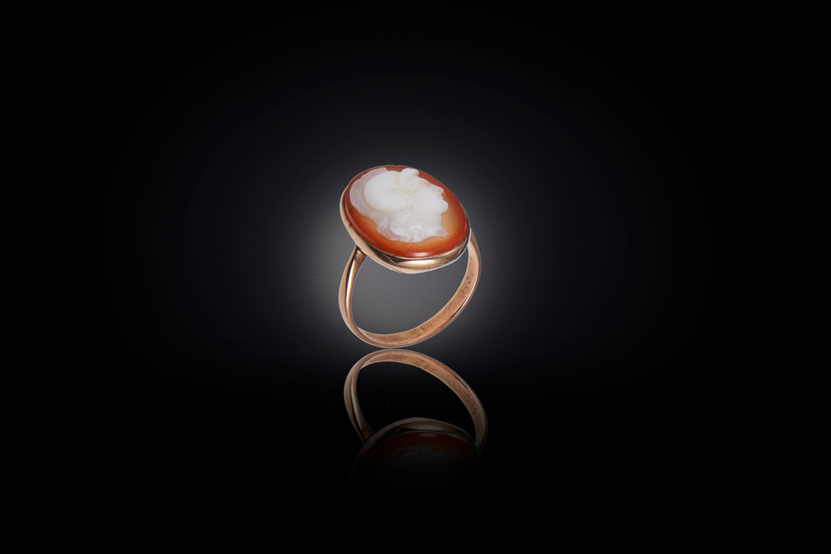 Antique carnelian cameo ring depicting a Roman Centurion Rubbed in setting 9ct rose gold