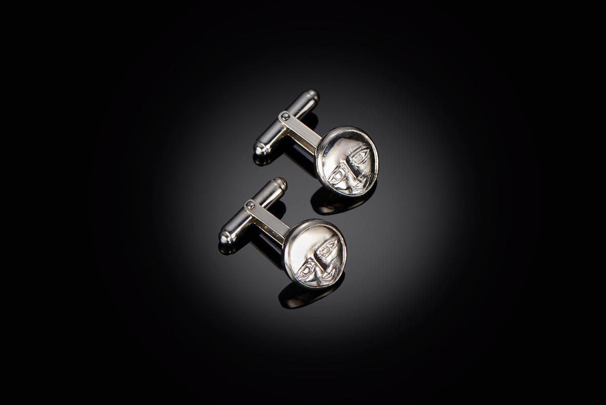 A Pair of Mirka by Kozminsky cufflinks in sterling silver.