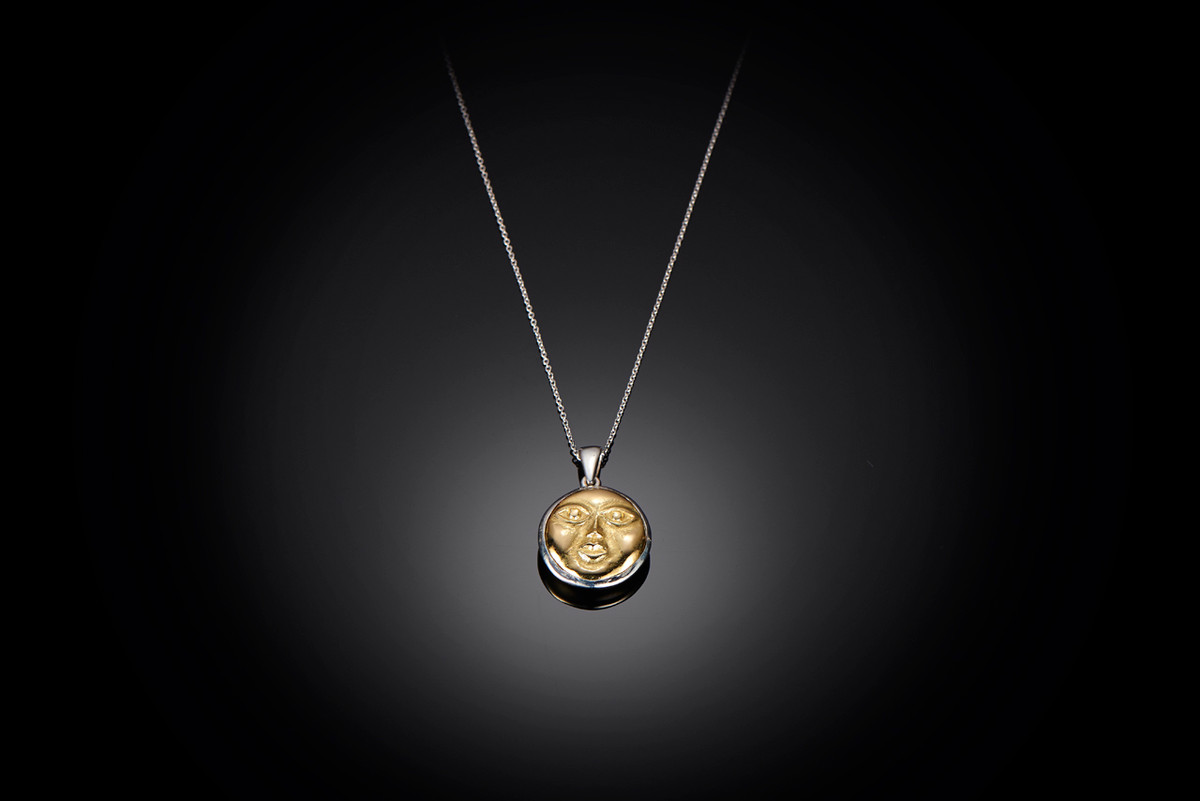A Mirka by Kozminsky Pendant (Med) in 18ct gold and sterling silver.
