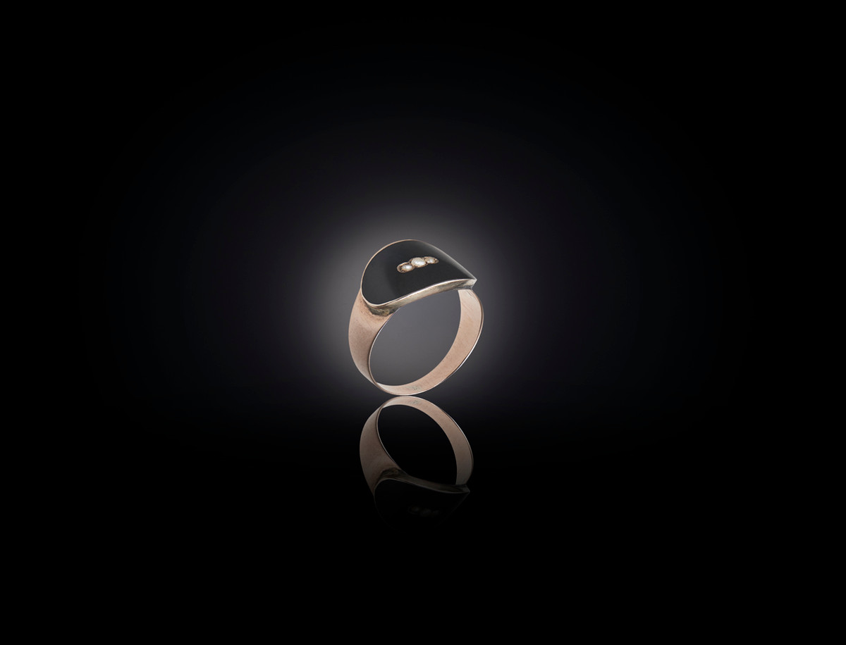 Onyx, Pearl and Gold Mourning Ring