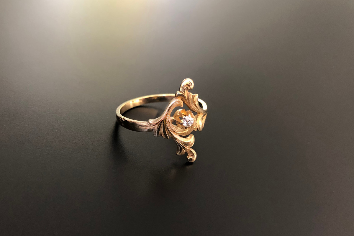 Art Nouveau Gold and Diamond Scroll Ring