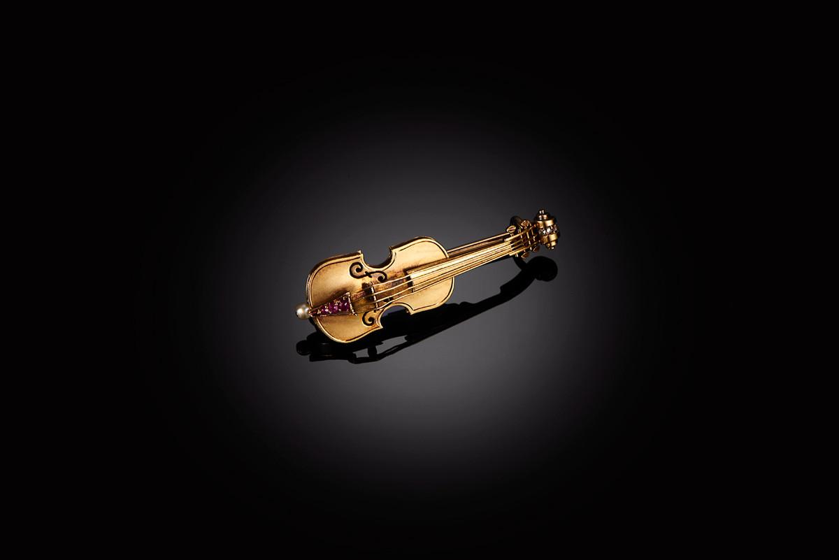 Gold Violin Brooch