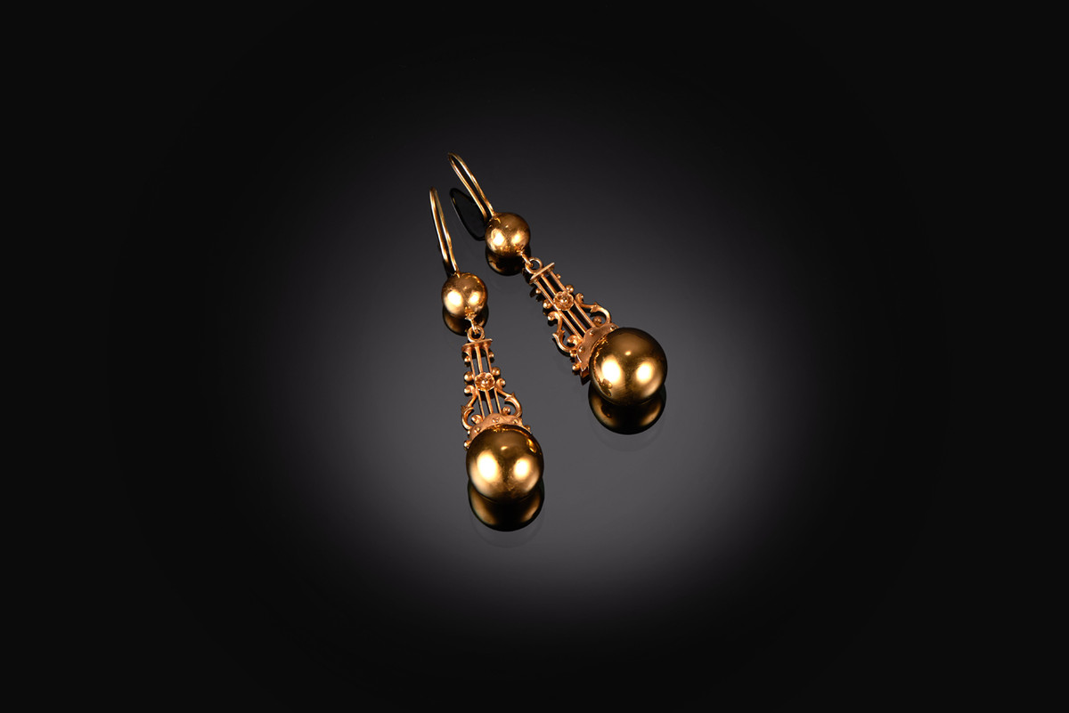 Victorian Gold Lyre Earrings in 15ct gold.