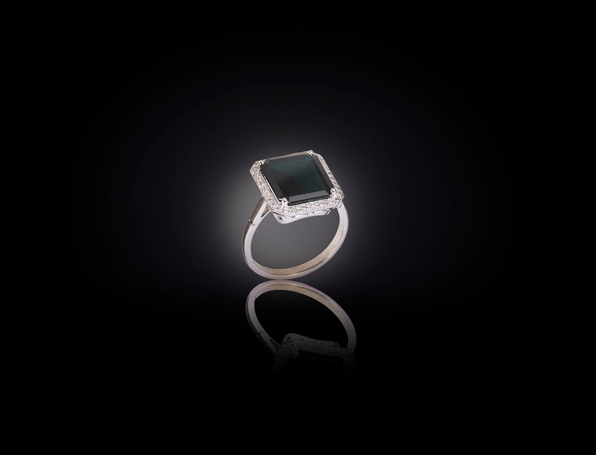 Green Tourmaline and Diamond Ring