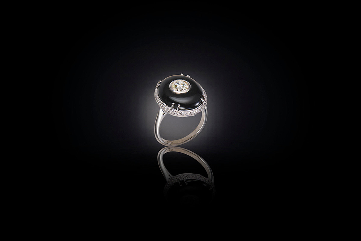 Oval Onyx and Diamond Plaque Ring