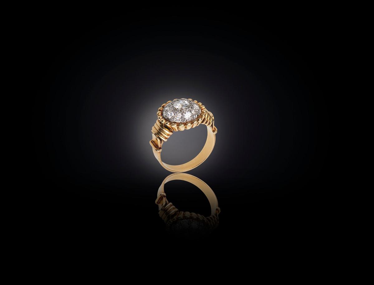 Retro Diamond Bombe Ring