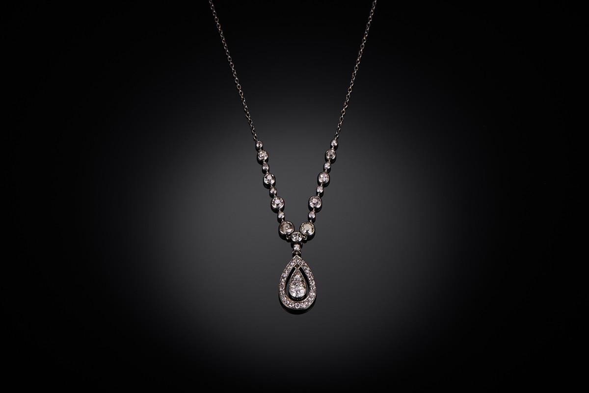 Belle Époque diamond necklace.