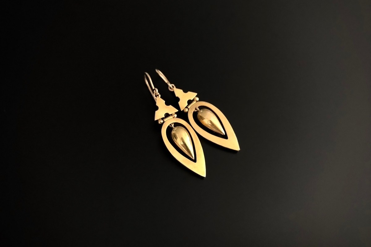 A Charming Pair of Gold Drop Earrings