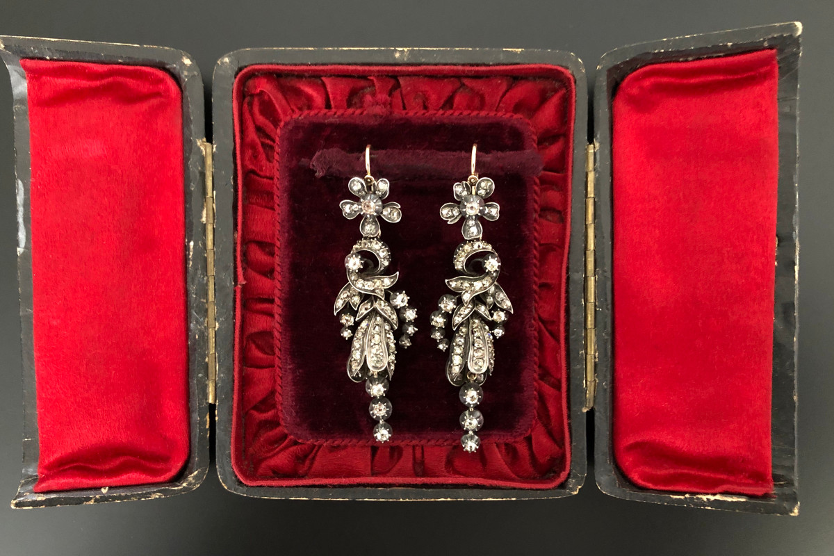 An Exquisite Pair of French Diamond Pendant Earrings