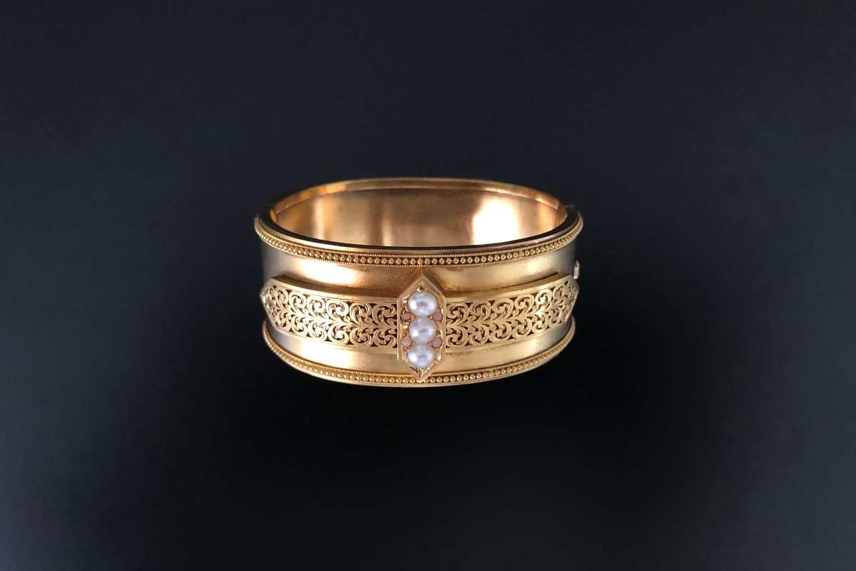 An Outstanding Gold, Pearl and Coral Bangle