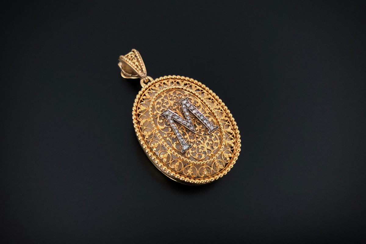 An Exceptional French Diamond and Gold Locket