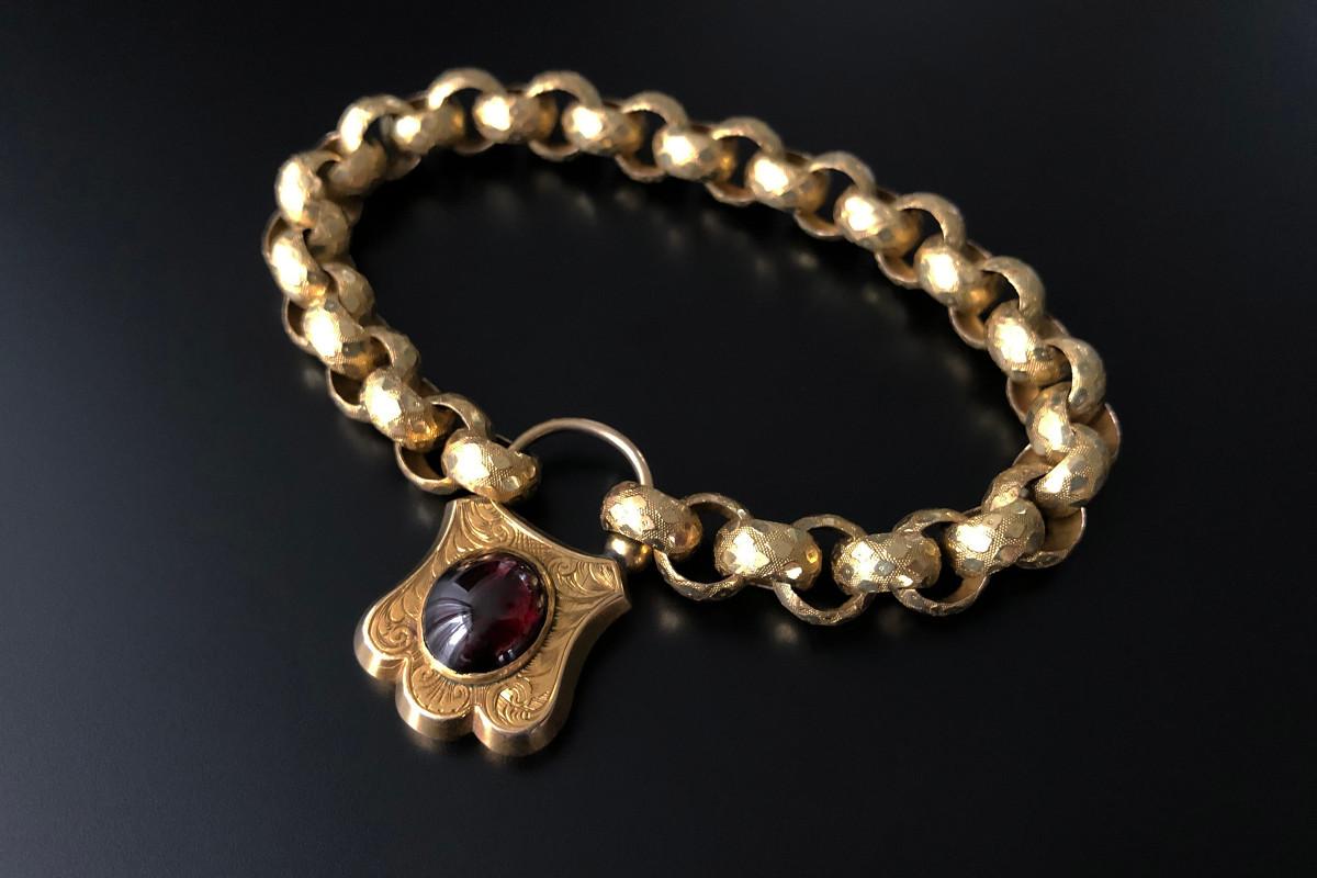 A Beautiful Gold and Garnet Bracelet