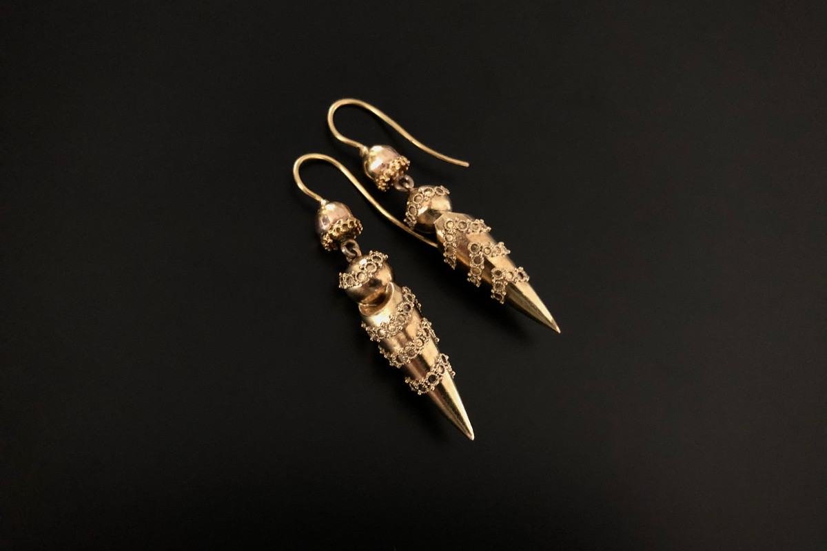 A Classical Pair of Gold Pendant Earrings