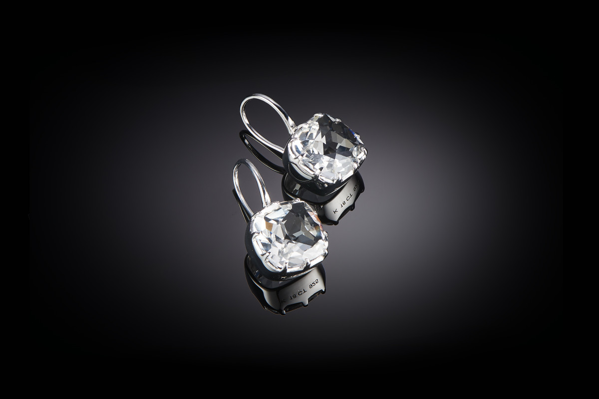 Single drop cushion cut rock crystal. 12 x 12mm