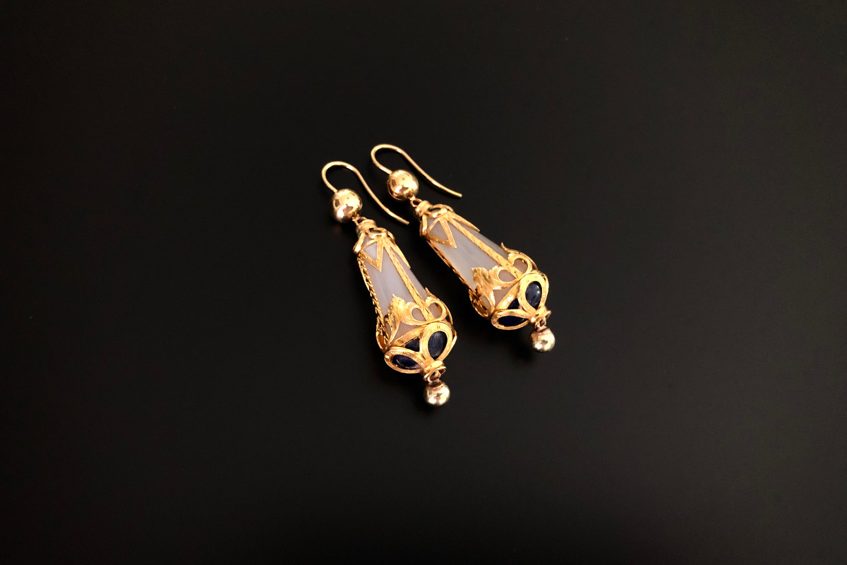 Chalcedony, Gold and Lapis Lazuli Earrings. Victorian