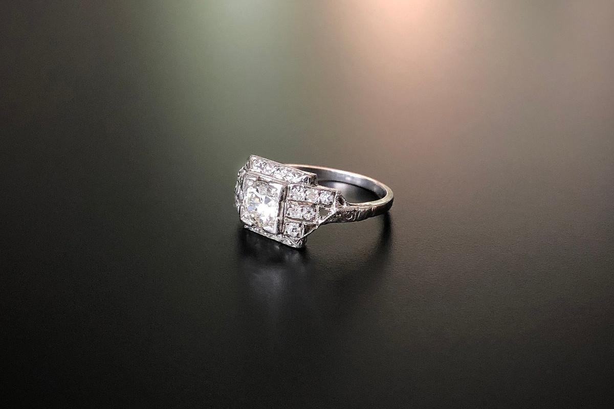 A Stylish Art Deco Diamond Ring
