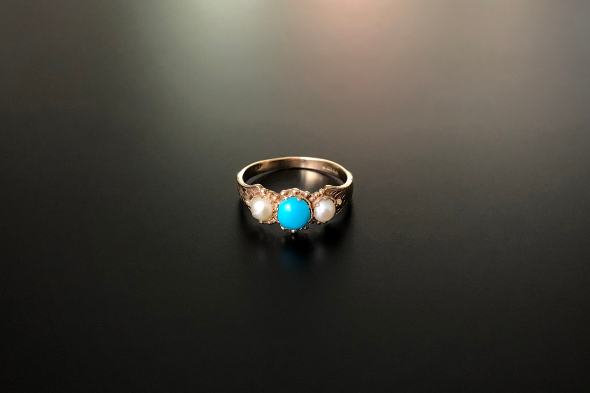 Turquoise and pearl ring