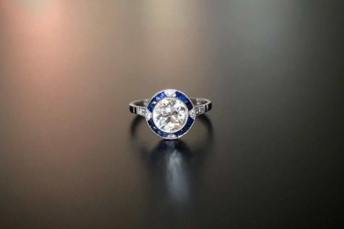 An Exquisite Diamond and Sapphire Ring